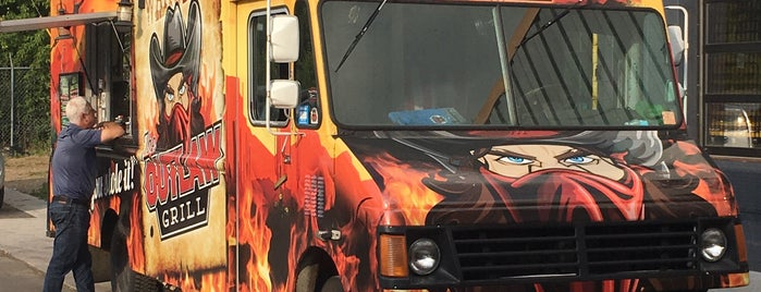 The Outlaw Grill Food Truck is one of Twin Cities Food.