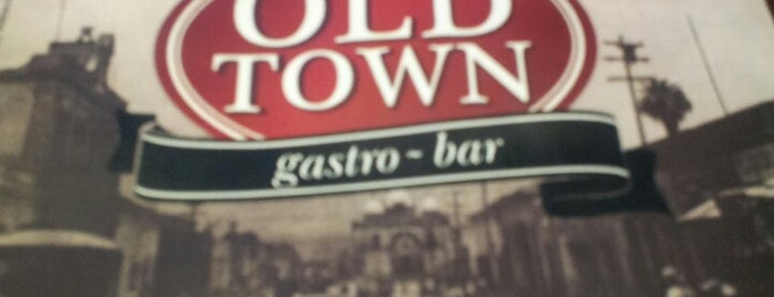 Old Town Gastro-Bar is one of vida nocturna.