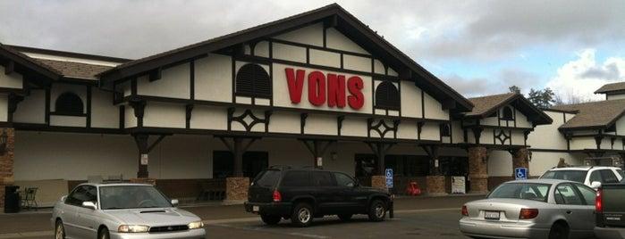 VONS is one of Posti che sono piaciuti a California.