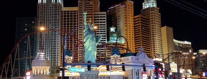 New York-New York Hotel & Casino is one of Orte, die Santosh gefallen.