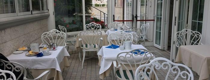 Hotel La Goletta is one of Posti che sono piaciuti a Katia.
