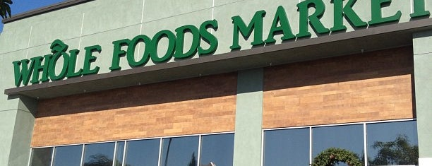 Whole Foods Market is one of Orte, die Dan gefallen.