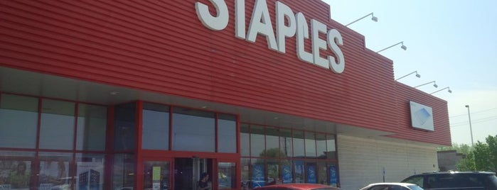 Staples Windsor is one of Posti che sono piaciuti a 30 day.