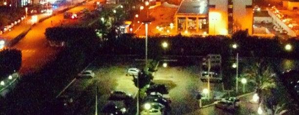 Mercure Hotel Alger Aeroport Bab Ezzouar is one of Locais curtidos por Volkan.