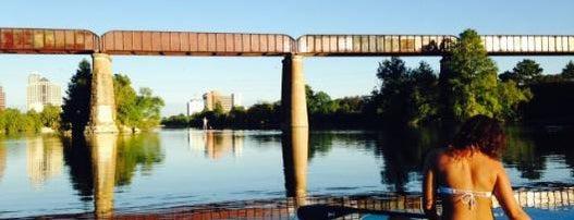Congress Avenue Kayaks is one of Tempat yang Disukai Fabiola.