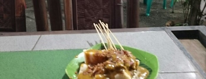 Sate padang pondok damai is one of My Favorite Places.