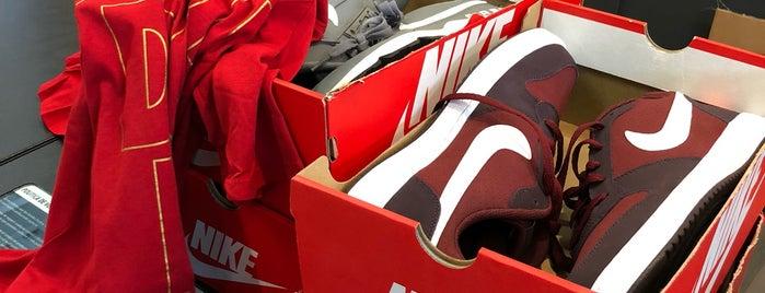 Nike Factory Store Copilco is one of Christian : понравившиеся места.