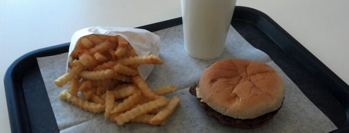 Beck's Burger Garage is one of Newton To-Do.