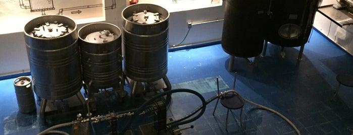 Cervecería La Blanca is one of Locais curtidos por JP.