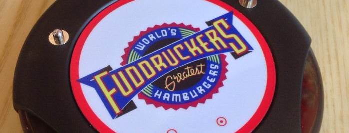Fuddruckers is one of Locais salvos de Valentina.
