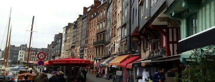 Quai Sainte-Catherine is one of Normandie Trip.
