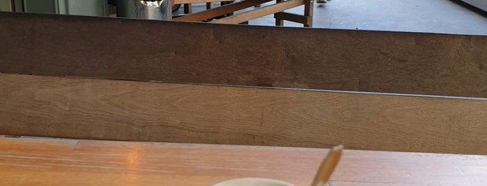 Hopper is one of Lyon.
