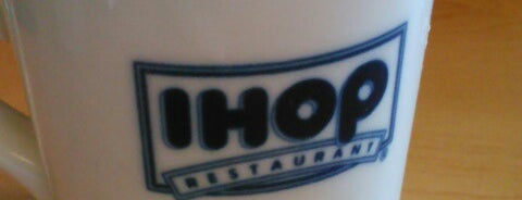 IHOP is one of สถานที่ที่ Daron ถูกใจ.