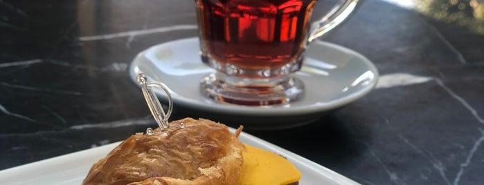 Pileki patisserie is one of Lugares favoritos de Akif.