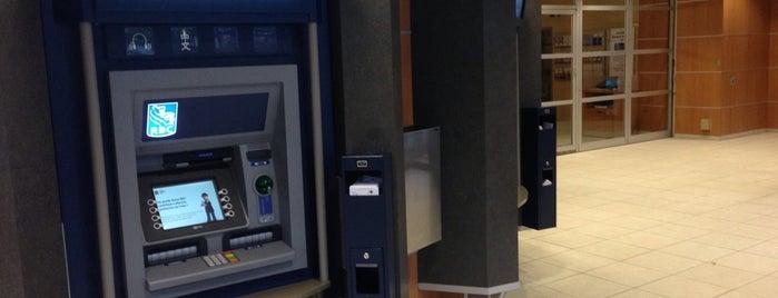 RBC Royal Bank is one of Polina 님이 좋아한 장소.