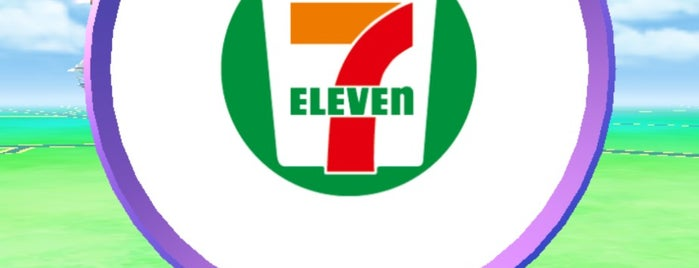 7-Eleven is one of Locais curtidos por 商品レビュー専門.