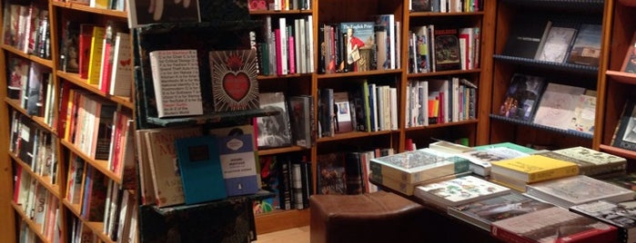 Daunt Books is one of لندن.
