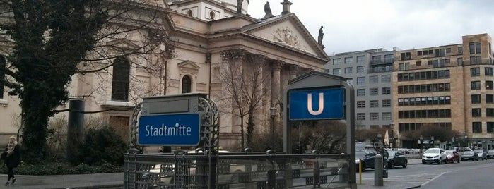 U Stadtmitte is one of Lugares favoritos de Barry.