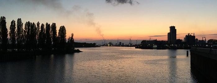 Waterfront Promenade is one of Bremen / Deutschland.