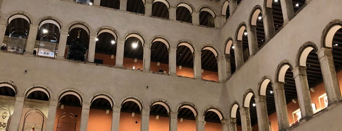 T Fondaco dei Tedeschi by DFS is one of Venice.