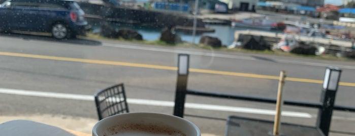 EDIYA COFFEE is one of Cafe part.4.