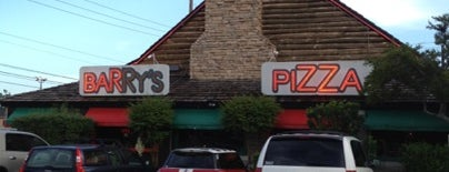 Barry's Pizza is one of Locais curtidos por Britney.