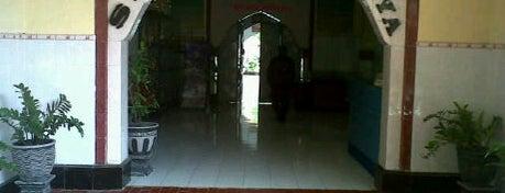 SMA Negeri 2 Surabaya is one of Characteristic of Surabaya.