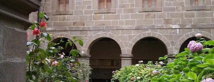 Monasterio de Santo Toribio de Liébana is one of Tempat yang Disukai Jonatan.