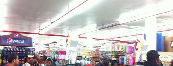 Associated Supermarket is one of สถานที่ที่บันทึกไว้ของ Ryan.