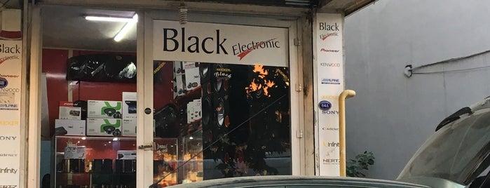 black elektronik is one of Onurさんのお気に入りスポット.
