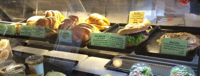 Carlos Coffee Ottensen is one of Vegan, veganfriendly & yummy in Hamburg.
