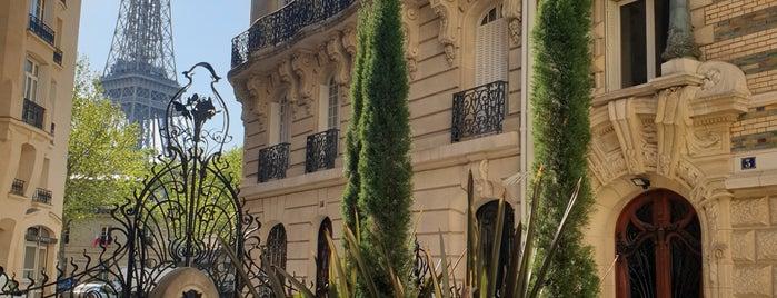 Paris Neighberhood