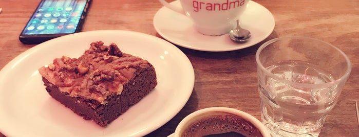 GrandmaBakeryCafe is one of istanbul.
