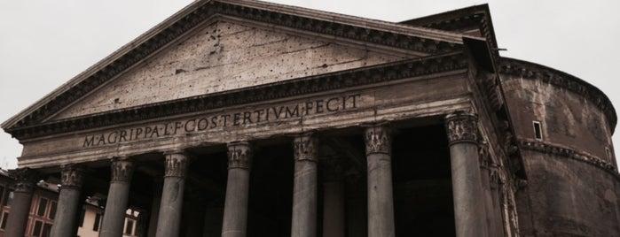 Panteón de Agripa is one of Lugares favoritos de R.