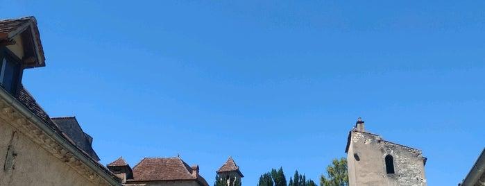 Saint-Cirq-Lapopie is one of Les plus beaux villages de France.