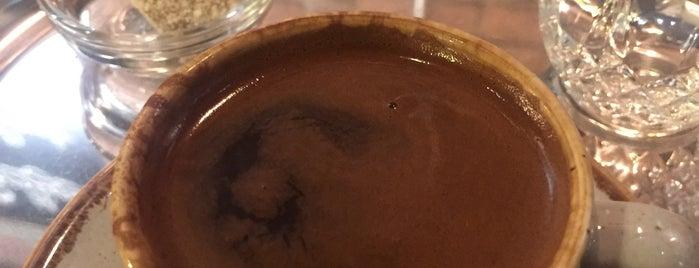 Bettys Coffee Roaster is one of Lieux qui ont plu à Deniz.