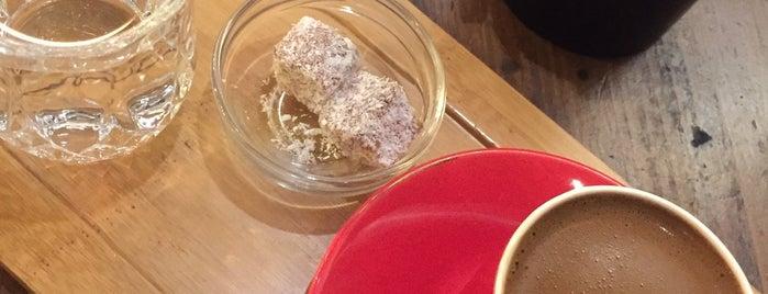 Bettys Coffee Roaster is one of Orte, die Deniz gefallen.