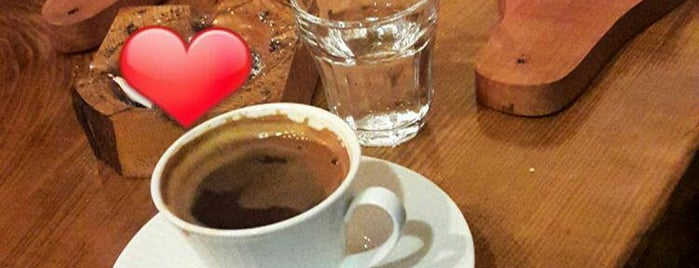 Ağaçkakan Wooden & Bistro - Cafe is one of สถานที่ที่บันทึกไว้ของ gamze.