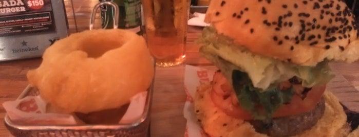 Burger Bar is one of Lugares favoritos de Pako.