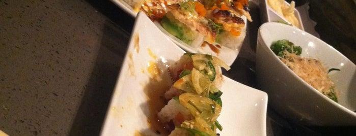 Sushi On fire is one of Locais curtidos por Lara.