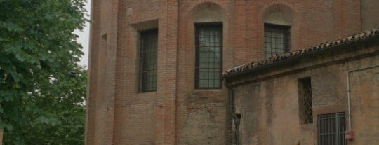Piazza San Domenico is one of Tempat yang Disukai R.