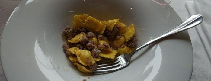 Il Cortile is one of Posti che sono piaciuti a Cascina.