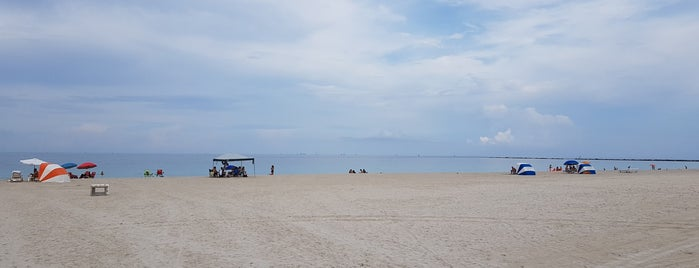 South Pointe Beach is one of Miami.