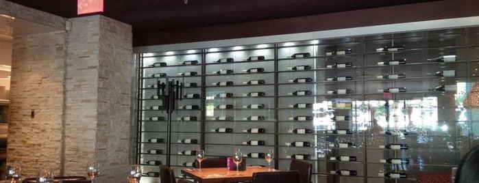 Earls Restaurant & Bar is one of Favorite Nightlife Spots.