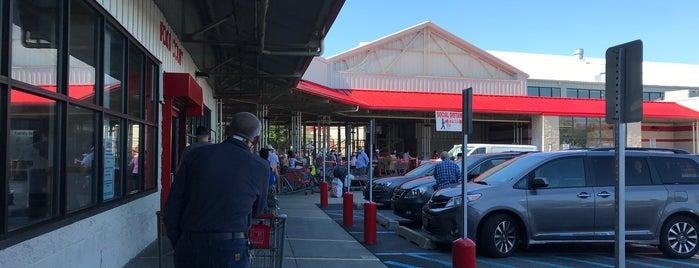 Costco Food Court is one of Posti che sono piaciuti a Robert.