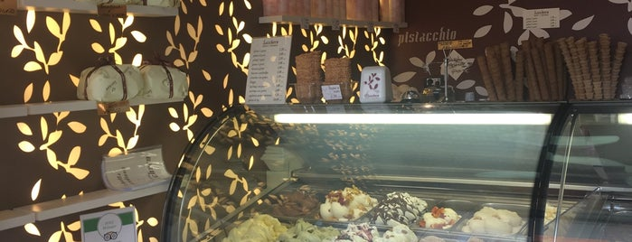 Gelateria Sacchero is one of Gianniさんのお気に入りスポット.
