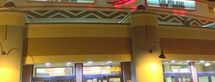 Redstone 8 Cinemas is one of สถานที่ที่ Jane ถูกใจ.