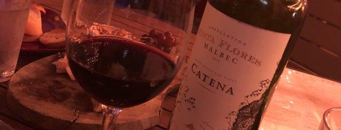 Vinos Wine Bar on Las Olas is one of Lieux qui ont plu à Kyle.