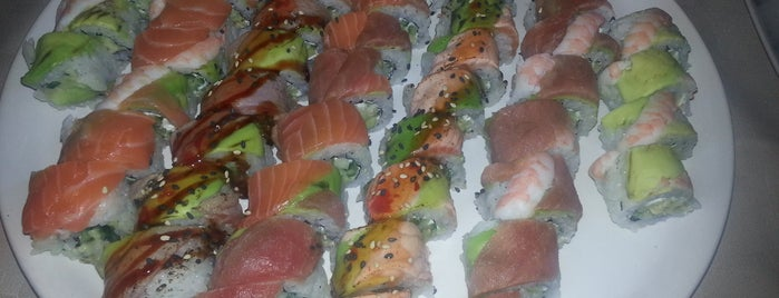 Sasaguri Sushi bar is one of Locais curtidos por Rosi.