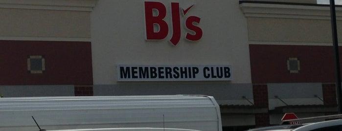 BJ's Wholesale Club is one of Sarah'ın Beğendiği Mekanlar.